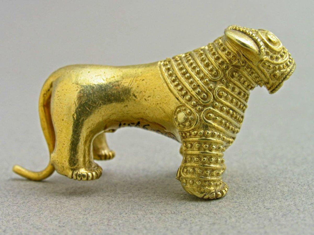 Georgia Culture Gold Lion