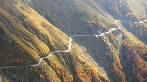 Road to Tusheti, cliffs